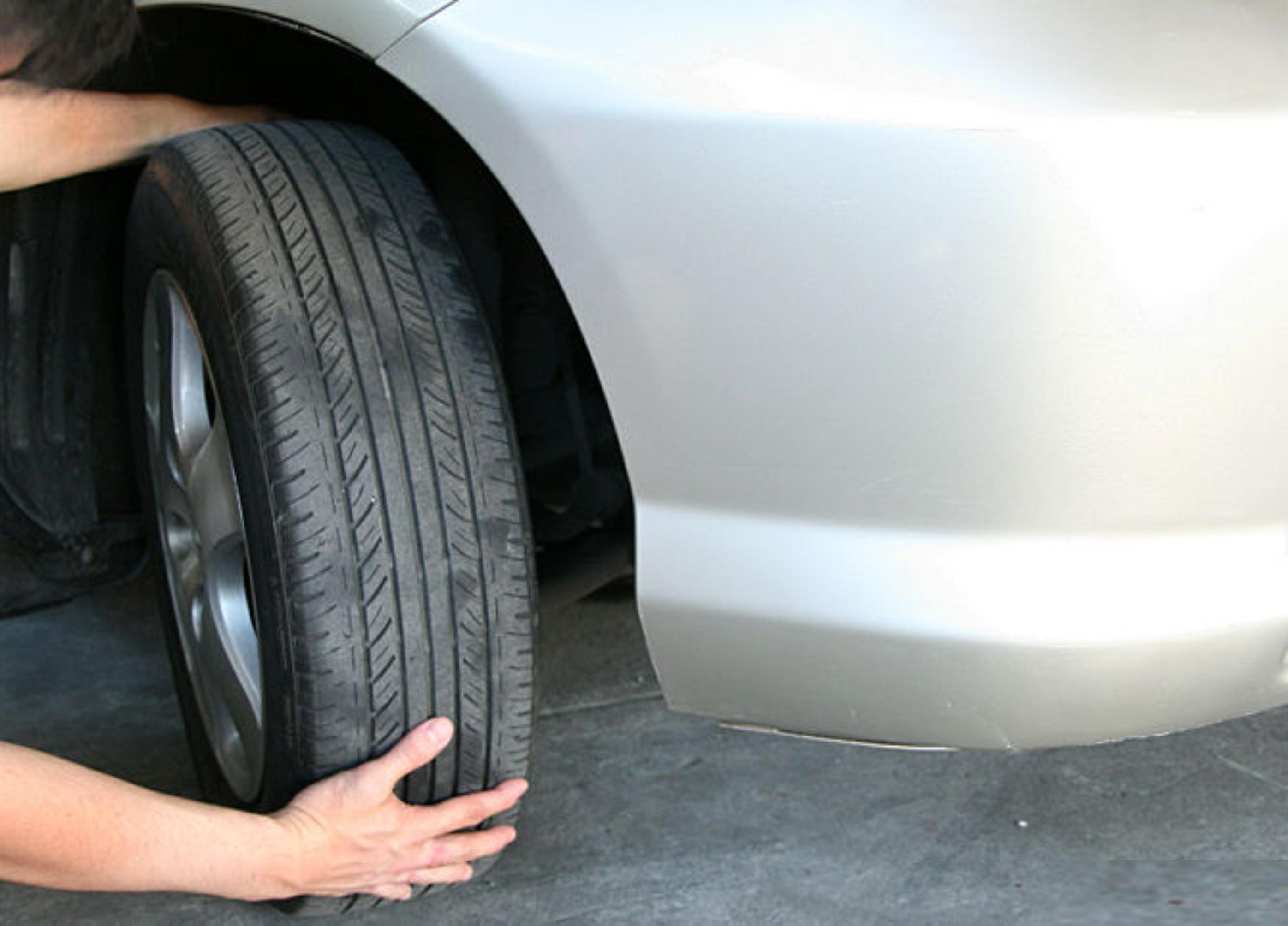 verificando o pneu
