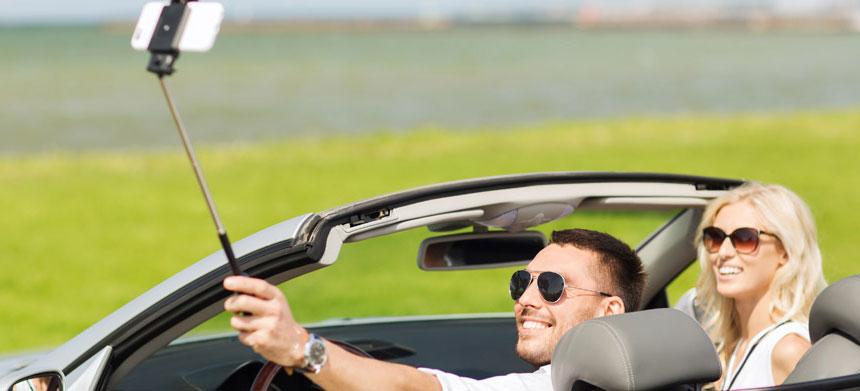 Selfie dirigindo, perigo real na direção!